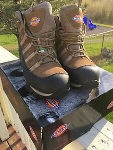 Men's Dickies size 13 steel toe boots. Worn once