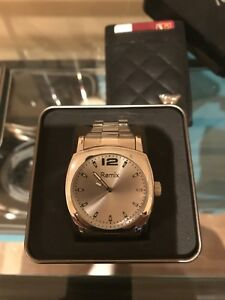 Beautiful watch in case brand new. Great for gift