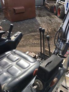 Mini Excavator Bobcat 222