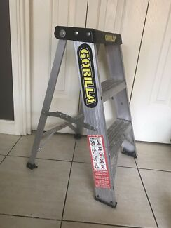 Gorilla two step ladder in excellent condition