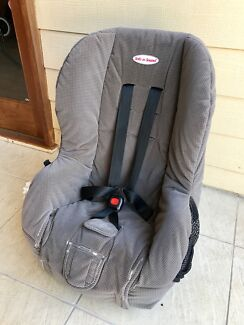 Safe and Sound Baby car seat - rear or forward facing