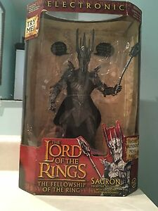 "12"" Lord of the Rings Sauron Deluxe Electronic Action Figure"