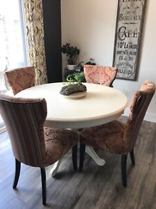 Pier One Dining Table And 6 Chairs