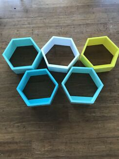 Adair's kids Millie hexagon floating shelf