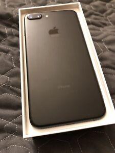 Apple iPhone 7 Plus 32GB - Unlocked (Perfect Condition)