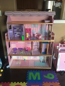 Kidkraft dollhouse with elevator!