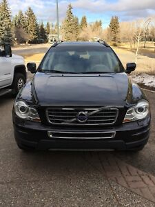 2011 Volvo XC90 excellent condition low km