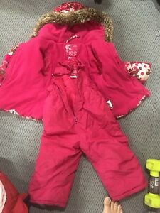Set of coat and snowpants
