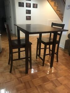 Walnut Solid wood High table, 2 stools (dinette kitchen dining)