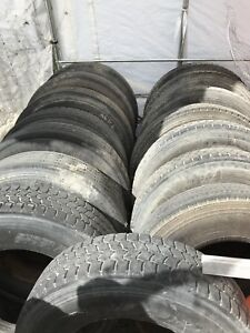 Lot de 15 Pneus 11R 22.5 usagé