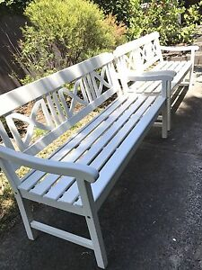 2 Gorgeous Hamptons weekend outdoor patio bench seat North Willoughby Willoughby Area Preview