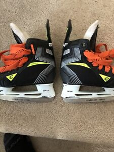 Youth child toddler size 7 skates