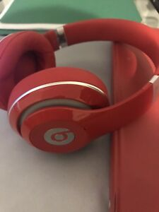 Beats Studio 3 Wireless Over-Ear Headphones - Red