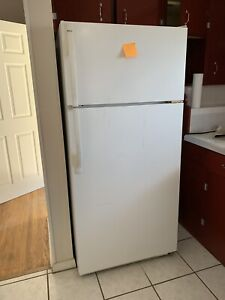 Kenmore fridge used in great condition
