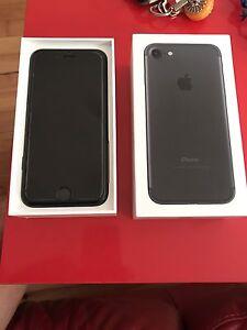 iPhone 7 noir. Neuf. Débloqué 256 gb avec Apple care plus