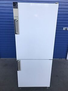 Westinghouse 411L fridge & bottom freezer (Delivery Available) Brompton Charles Sturt Area Preview