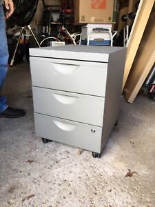 3 Drawer Metal Cabinet with wheels