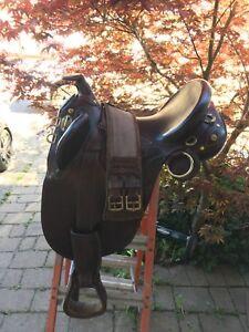 "17"" Australian Saddle w/girth and pad"