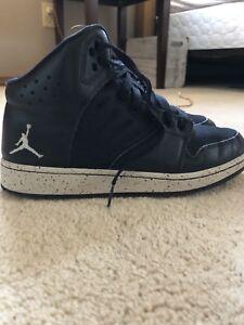 Jordan 1 - Flight 4,  Basketball shoes - Boys 6.5