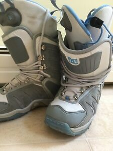 DC women's snowboard boots size 7
