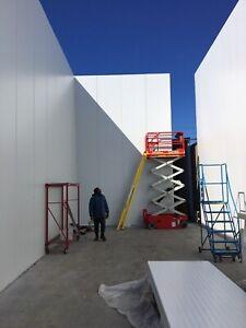 Custom Built Walk In Freezers, Coolers  and panels 416-884-4850