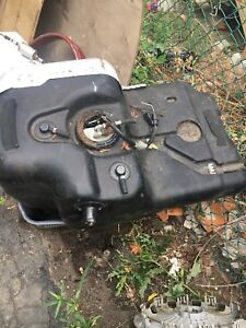 1997 Range Rover Land Rover gas tank with fuel pump