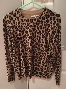 Alfred Sung light sweater size XL
