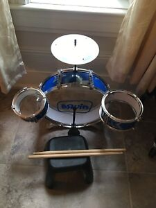 Bruin First Drum Set