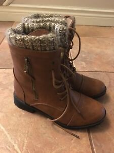 Size 8 boots $20