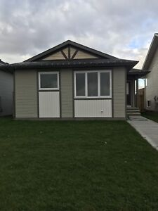 3 Bed/2 Bath 1116 sq ft House for Rent in Blackfalds