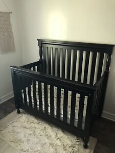Harmony 3-in-1 Convertible Crib + Changing Table