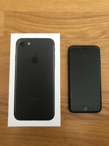 iPhone 7 128 gb 9.5/10 Condition
