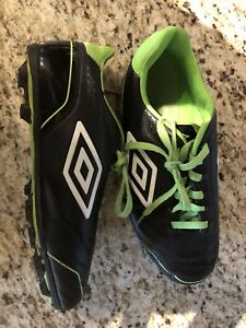 Outdoor Soccer Cleats - Size 4 Youth