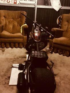 Motor bike, low rider, 100cc
