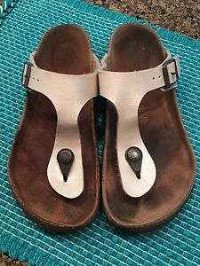 Birkenstock Sandals Woman or Teen Size 35 (4.5 to 5)