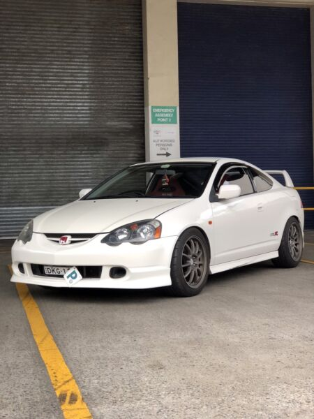 Eoi swaps 2001 championship white honda integra dc5 type r cars 1 of 4 fandeluxe Gallery