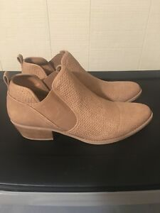 New size 10 Ankle boots