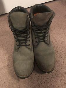 For Sale: Green Mens Size 10.5 Timberland Boots