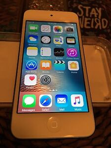 iPod touch 6th Gen(16GB) **BLUE** 170$ NOT NEGOTIABLE!!!!