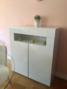 buffet structube $150