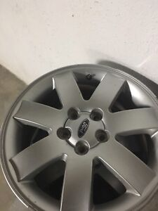 Perfect condition Ford 500 rims 17""
