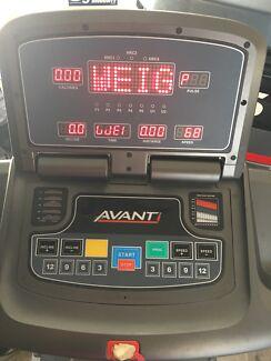 AVANTI  AT580 Treadmill.