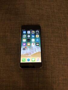 IPHONE 6S 16GB UNLOCK  ECRAN NEUVE/NEW SCREEN 250$