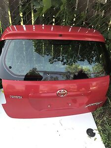 2002-2007 TOYOTA MATRIX MINT TAILGATE