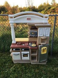 Little tikes play kitchen.