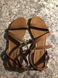 Brand new sandals (size 6)