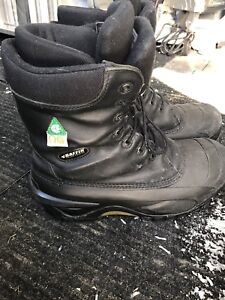 Baffin SA approved winter work boots size 10.