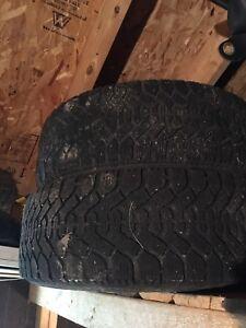 Jante et pneus dhivers etais sur un vus nissan xtrail 2005