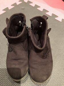 Petites bottes pour enfant - taille 10