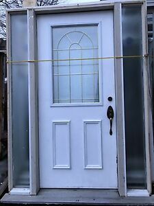 Exterior steel door with 2 sidelights